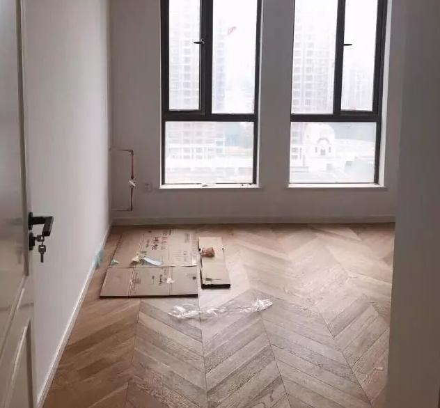 新房装修全屋使用鱼骨纹仿古砖7.png